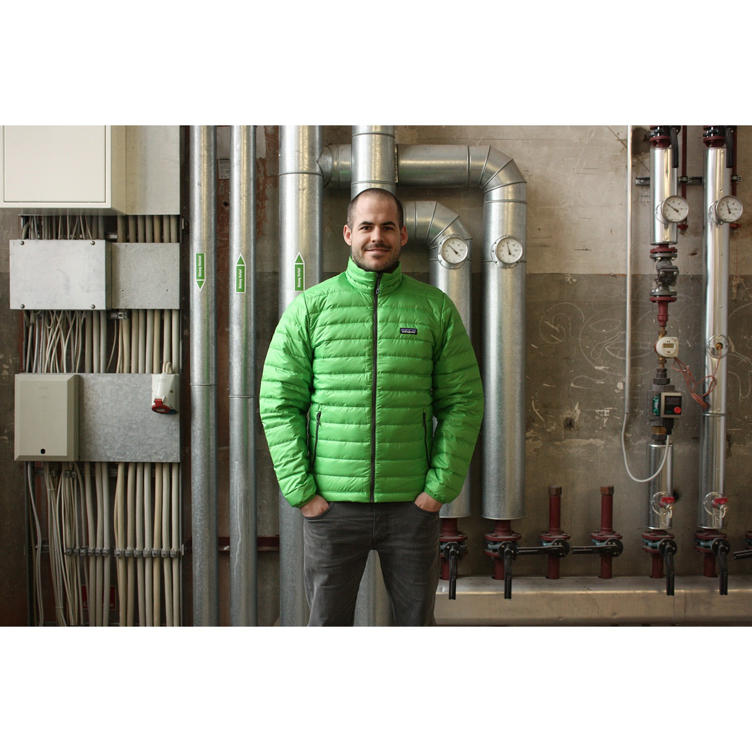 the best attitude bc7c1 f3a66 Patagonia Down Sweater - Down Jacket Men's | Free UK ...