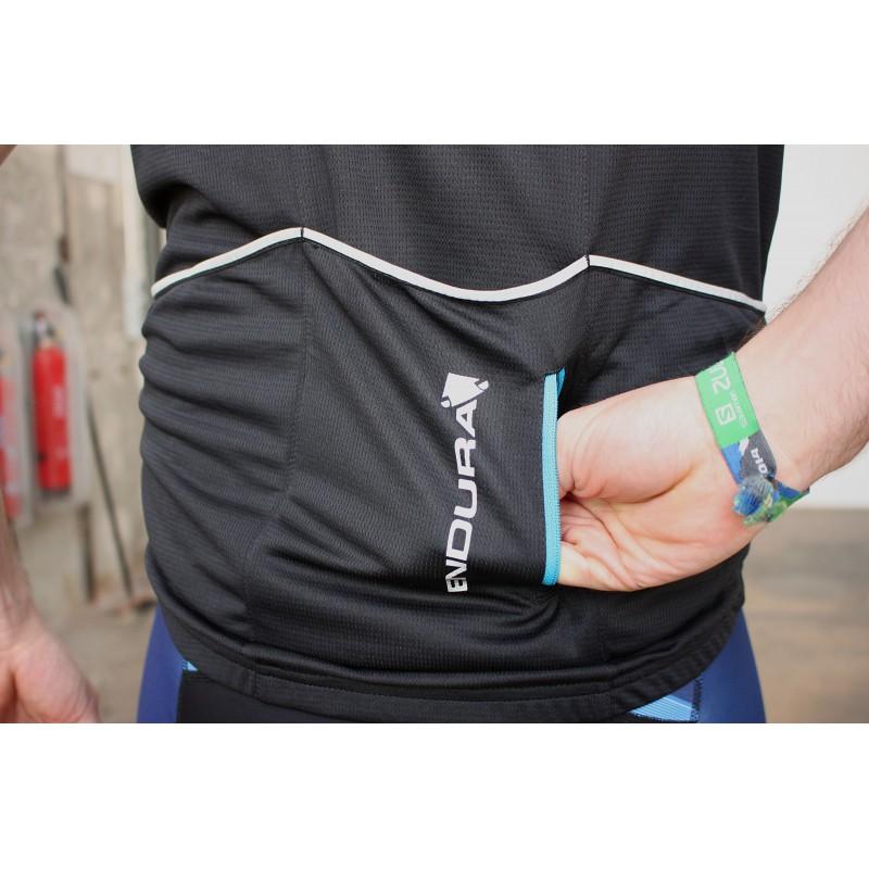 Amazon.com: Endura Xtract Waterproof Packable Cycling ...