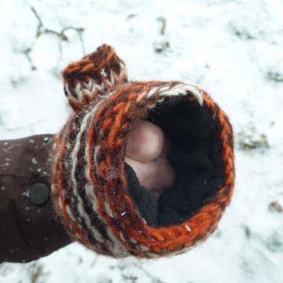 Image 5 from Karen of Sherpa - Women's Rimjhim Handwarmers 2 - Gloves