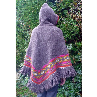 Image 7 from Karen of Sherpa - Women's Samchi Poncho - Wool jacket