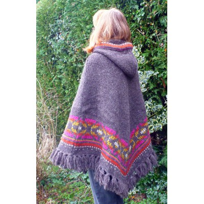 Image 2 from Karen of Sherpa - Women's Samchi Poncho - Wool jacket