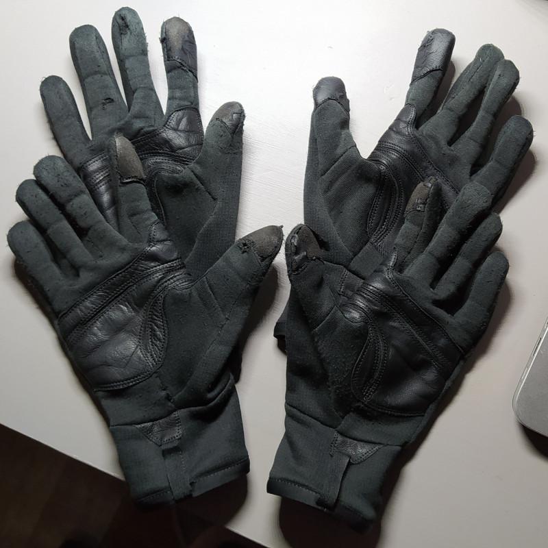 Image 1 from chloe of Arc'teryx - Rivet Glove - Gloves