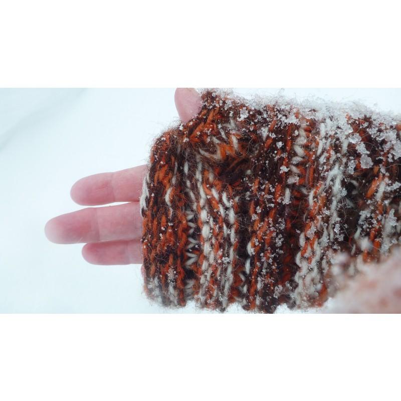 Image 10 from Karen of Sherpa - Women's Rimjhim Handwarmers 2 - Gloves