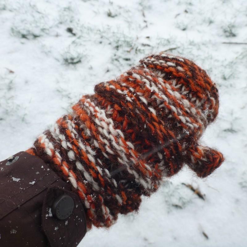 Image 7 from Karen of Sherpa - Women's Rimjhim Handwarmers 2 - Gloves